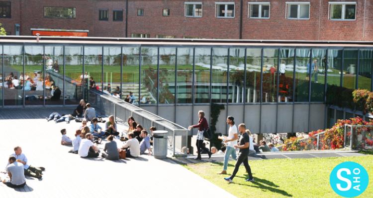 studenter utenfor AHO / Students outside of AHO